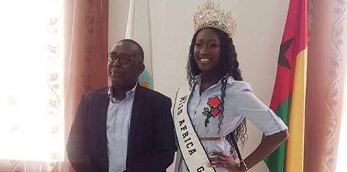 MISS AFRICA GB  LEILA  VISITS TOURISM SECRETARY OF STATE